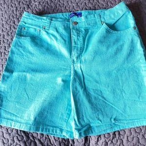 Kim Roger's Short